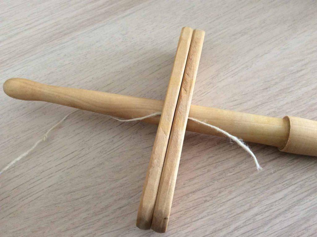 kreuzspindel wickeln - Anfang - Faden einlegen