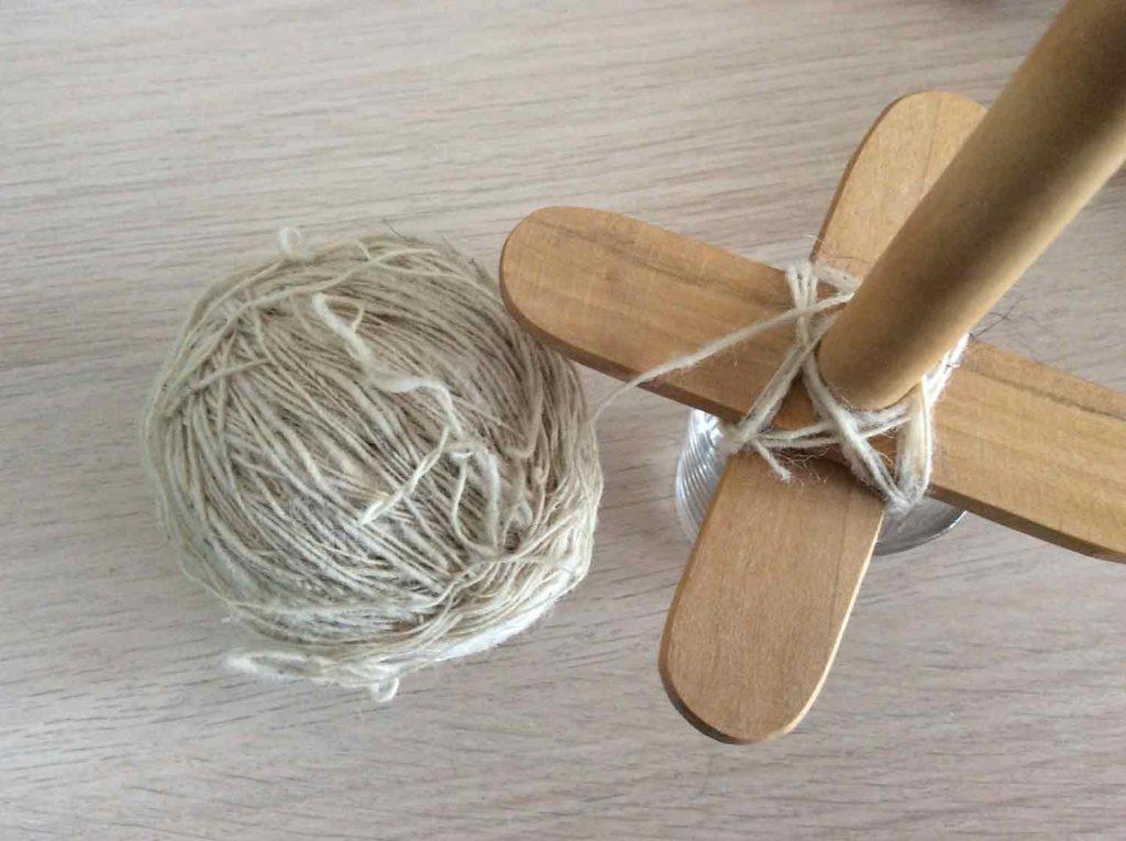 kreuzspindel wickeln - 5. Faden Wickeln